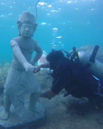 Bouw mee aan de onderwatertempel (duiken)
